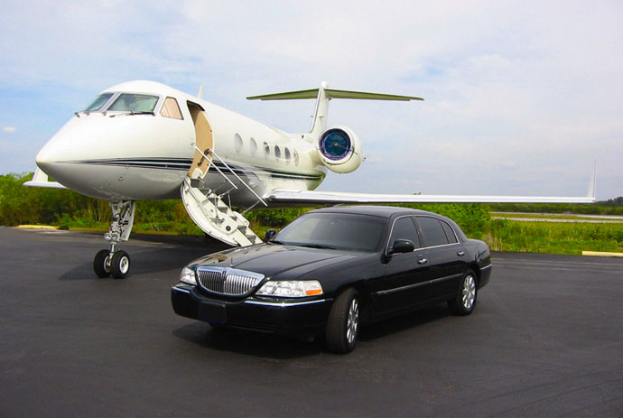 Airport Limo Service in Toronto