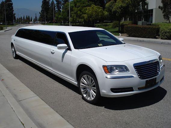Chrysler 300 Super Stretch Limousine Exotica Limo