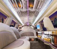 ford-excursion-suv_limousinerentalstoronto-242x300